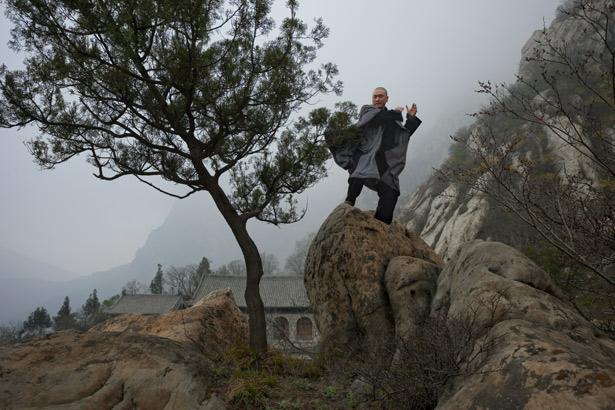 shaolin-kung-fu-monk-615